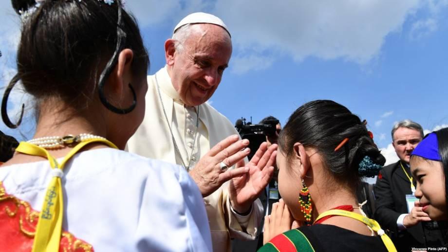 Католическая молодежь просит социализировать церковь через кафе, спортзалы и цифровые сети