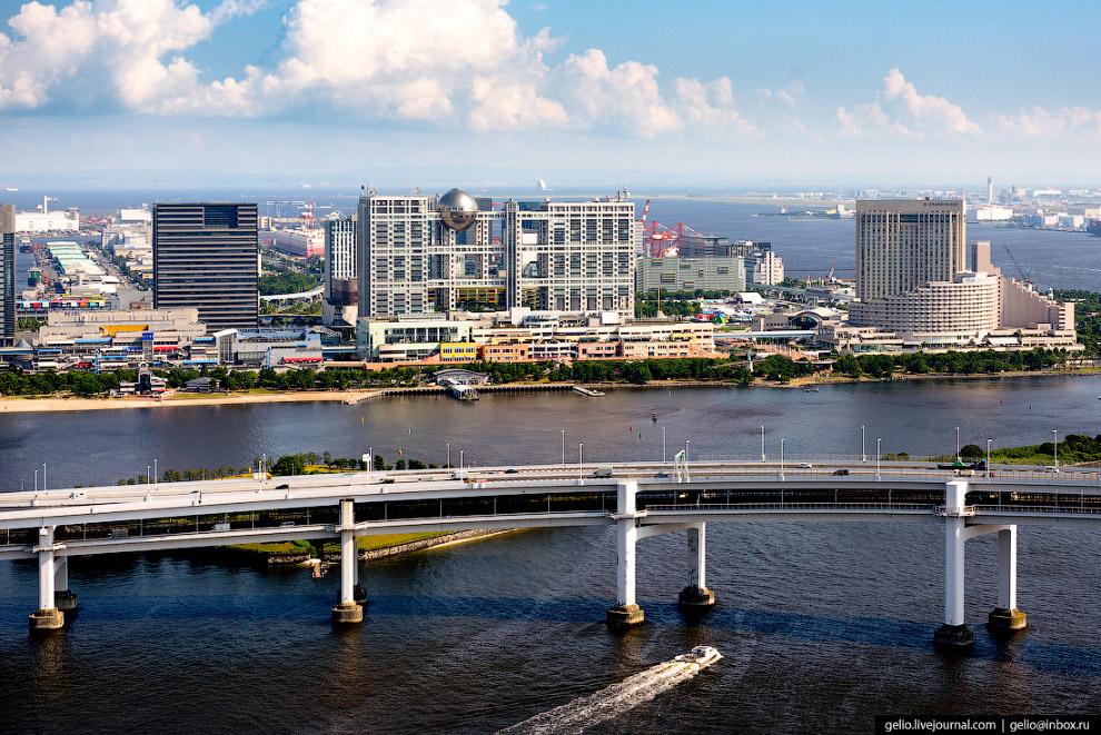 32. Сумида — один из 23 административных районов Токио. Назван по имени протекающей здесь реки.
