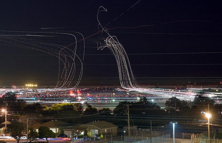 Необычные фотографии взлета и посадки самолетов (16 фото)