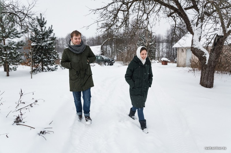 Беларусь дауншифтинг деревня семья строительство