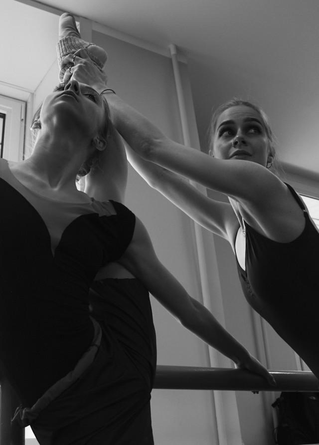 Трудовые будни современных балерин (17 фото)
