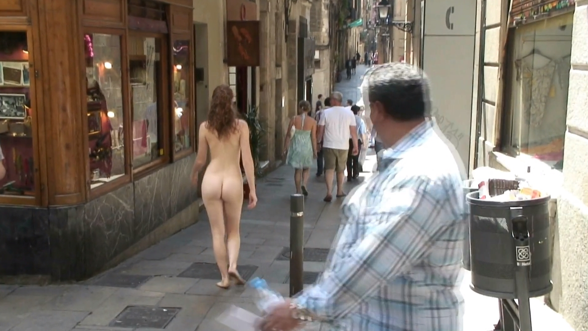 Девушки на улице