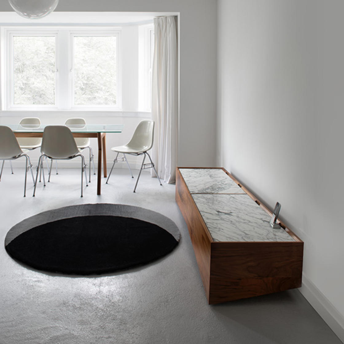 Simple and effective, this clever rug is an amazing optical illusion!