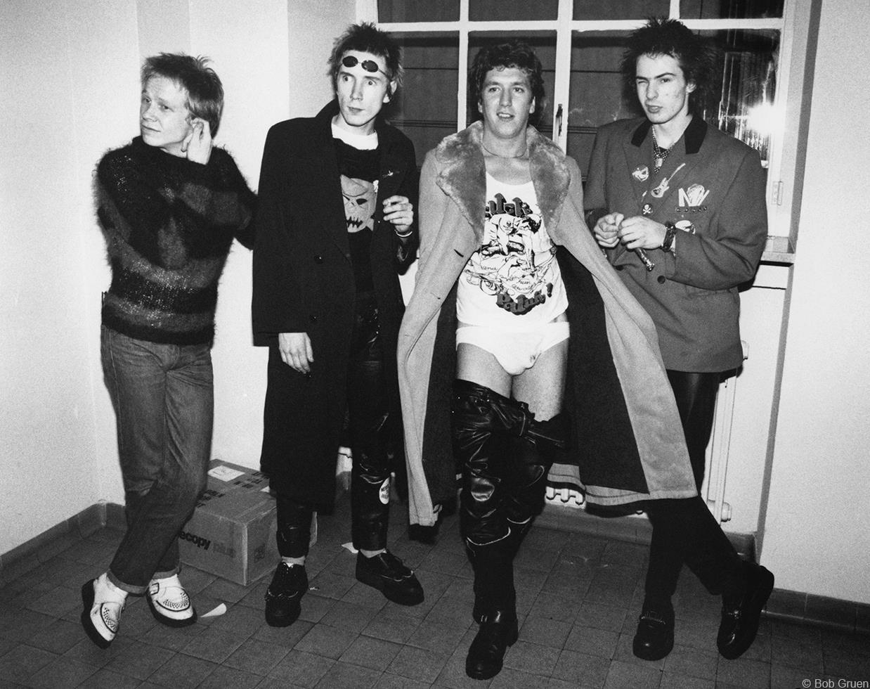 1977 «Sex Pistols»