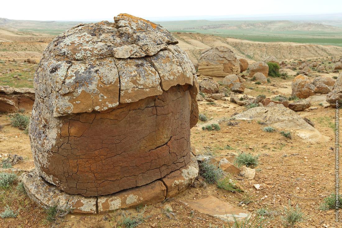 фото каменные конкреции долина Торыш