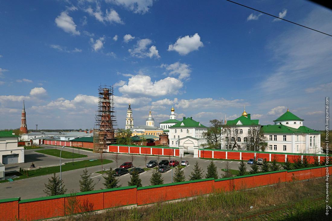 мужской Старо-Голутвинский монастырь в Коломне