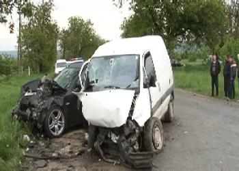 В результате ДТП в Трушенах с участием 3 машин пострадало 2 человека