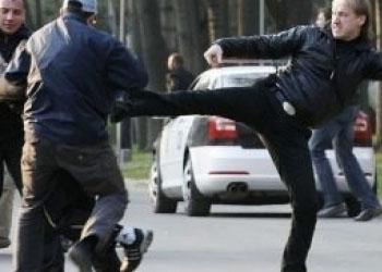 Полицейский приговорен к двум годам заключения в деле 7 апреля