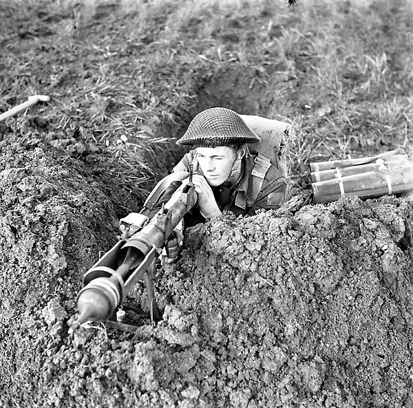 canada and ww2 essay Share on facebook, opens a new window share on twitter, opens a new window share on linkedin share by email, opens mail client canadian soldiers and canada as a country and a people went into wwii with a sense of wwi still fresh on their minds canada's largest contribution to the allied forces.