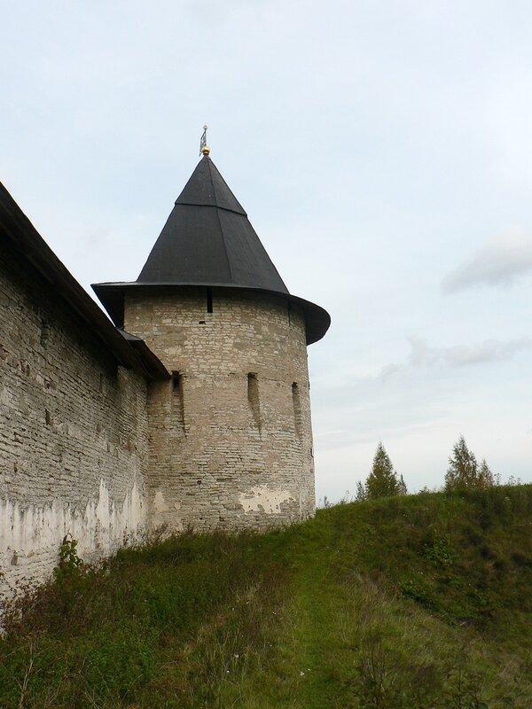 Вокруг Псково-Печерского монастыря
