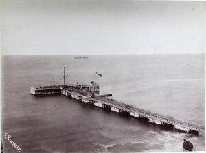 Вид на морскую пристань.