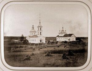 Вид на церкви Бадожского погоста на берегу реки Ватком,впадающей в реку Ковжу.