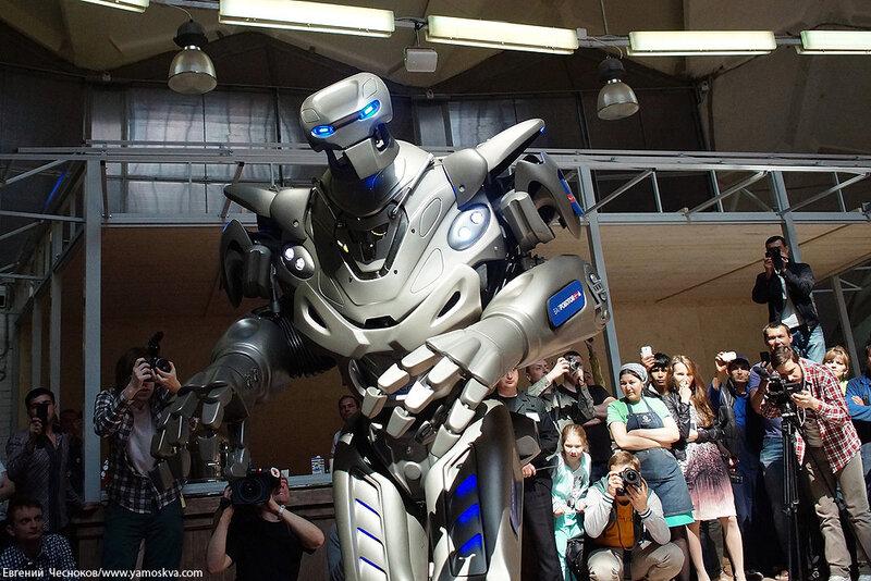 Весна. Даниловский. Робот Титан. 12.05.14.04..jpg