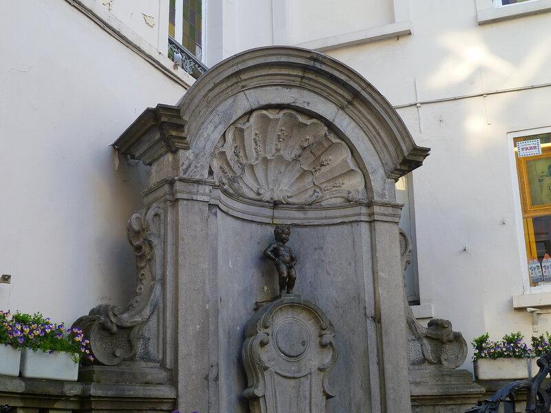 Брюссель, писающий мальчик (Brussels, Manneken Pis)
