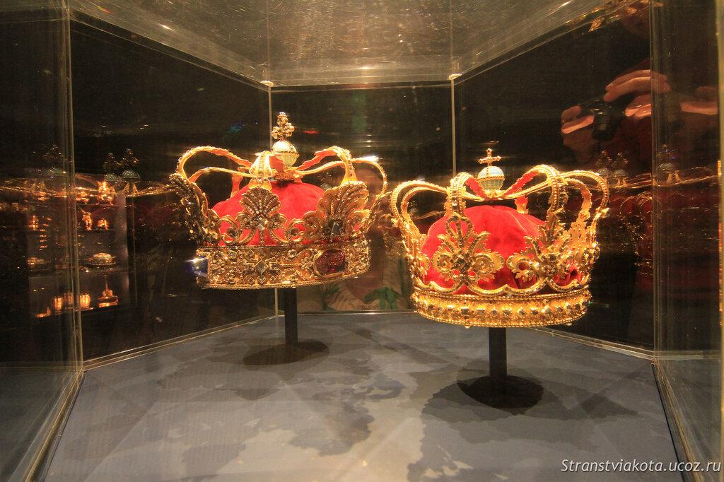 Сокровищница дворца Розенборг в Дании
