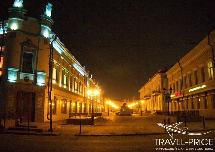 улица Баумана ночью