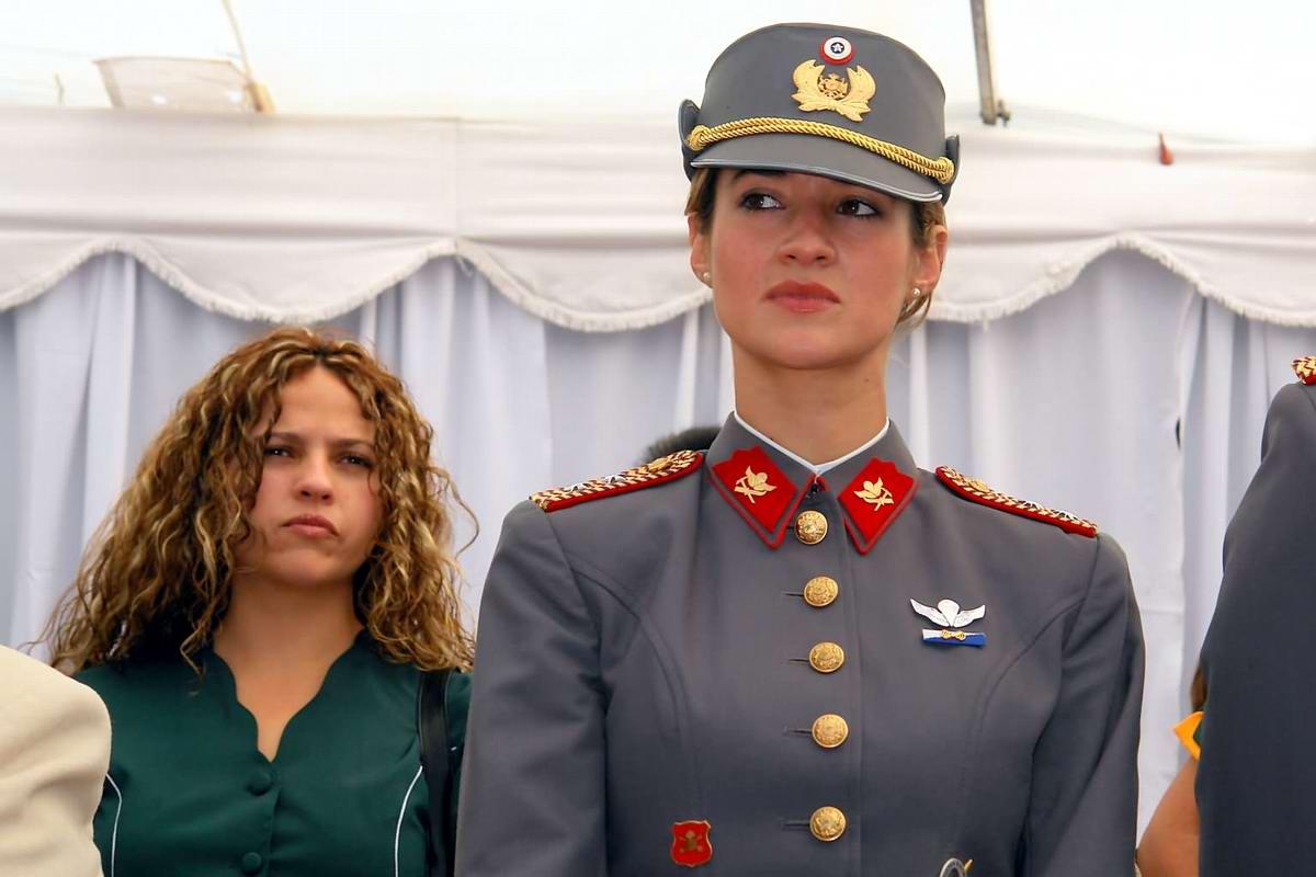 Очень грозная сила: Девушки в армейской униформе (7)