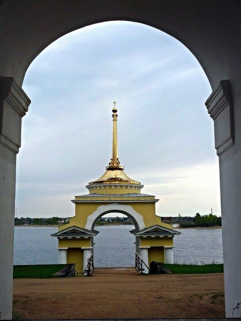 Архиерейская Пристань монастыря Нило-Столобенская пустынь