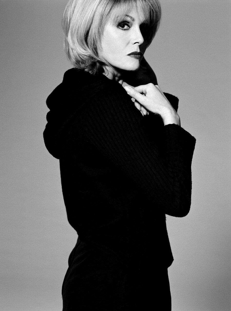 2000. Джоанна Ламли