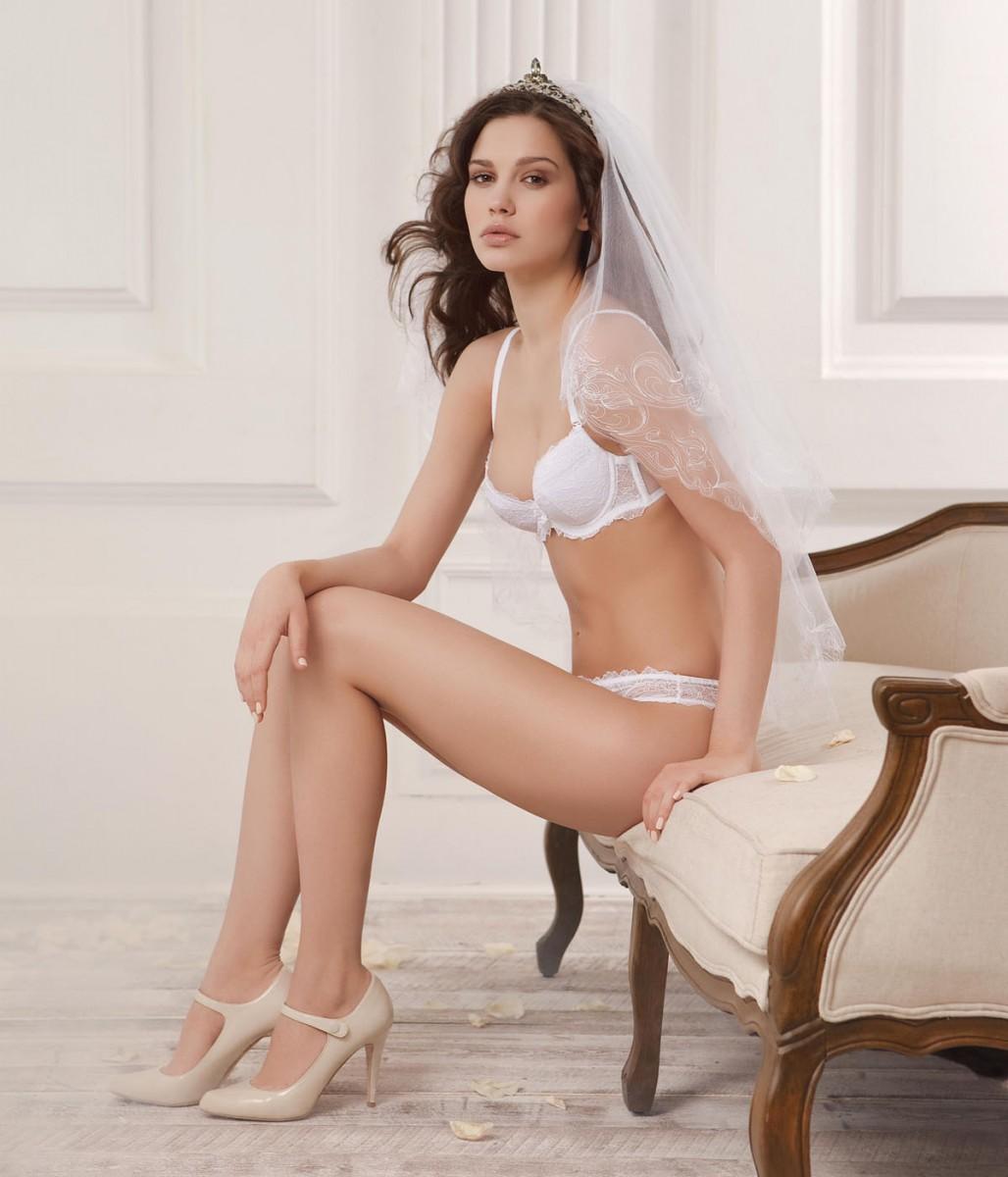 Шикарная невеста в чулках порно фото 438-330