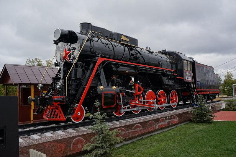 Л-3348 на постаменте в Щербинке