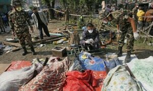 Число жертв землетрясения в Непале продолжает расти