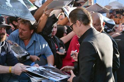 Брэда Питта избили на премьере «Малефисенты»
