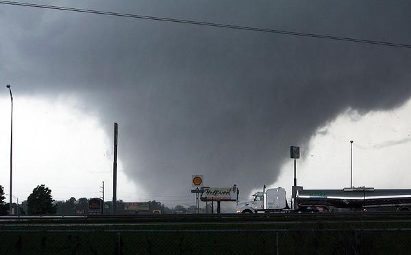 Торнадо.