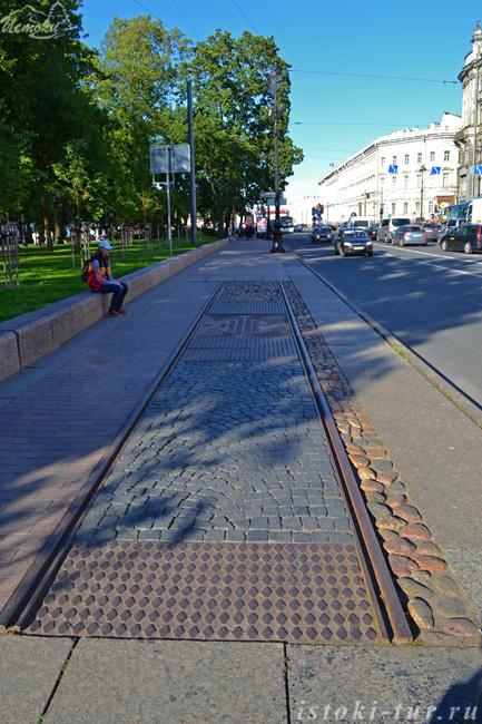 памятник_первой_лини_Петербургского_трамвая_pamyatnik_pervoy_lini_Peterburgskogo_tramvaya