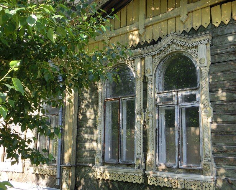 """В """"белый свет"""" 21 века. Дом Панова К.М., 1890 г."""