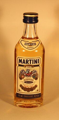 Вермут Martini Bianco 1863 Martini & Rossi