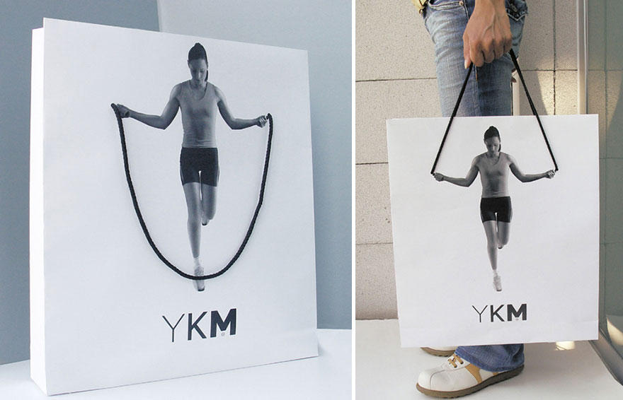 2. YKM: пакетик-скакалка.