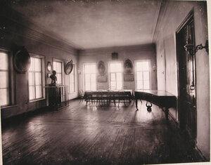 Вид части актового зала училища.