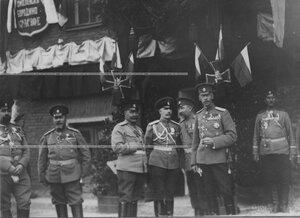 Группа военных, ранее служивших в полку, на праздновании 100-летия Кульмского боя (слева - профессор Николаевской военной академии Генерального штаба, военный историк генерал А.К.Байов).