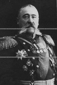 Генерал-лейтенант в форме военно-учебных заведений (портрет).