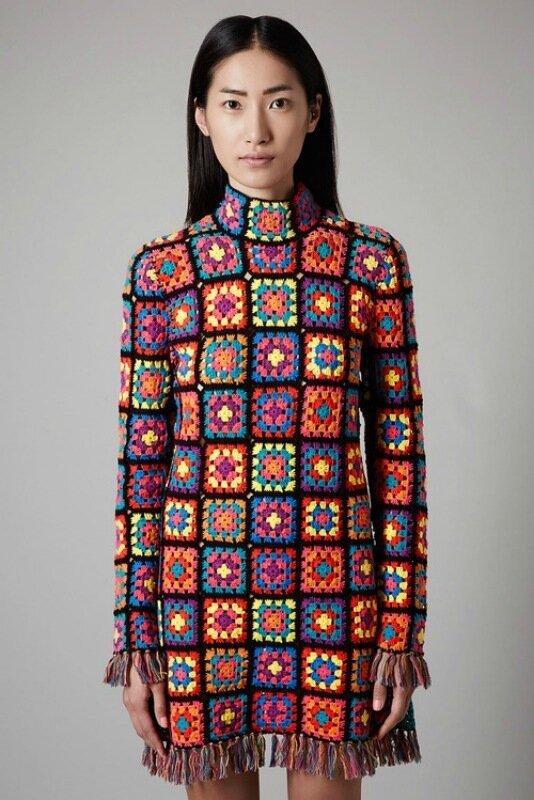Одежда из вязаных квадратов