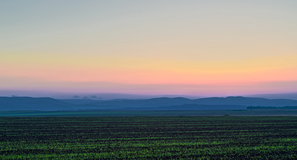 Тот же пейзаж на закате, снятый в виде ХДР