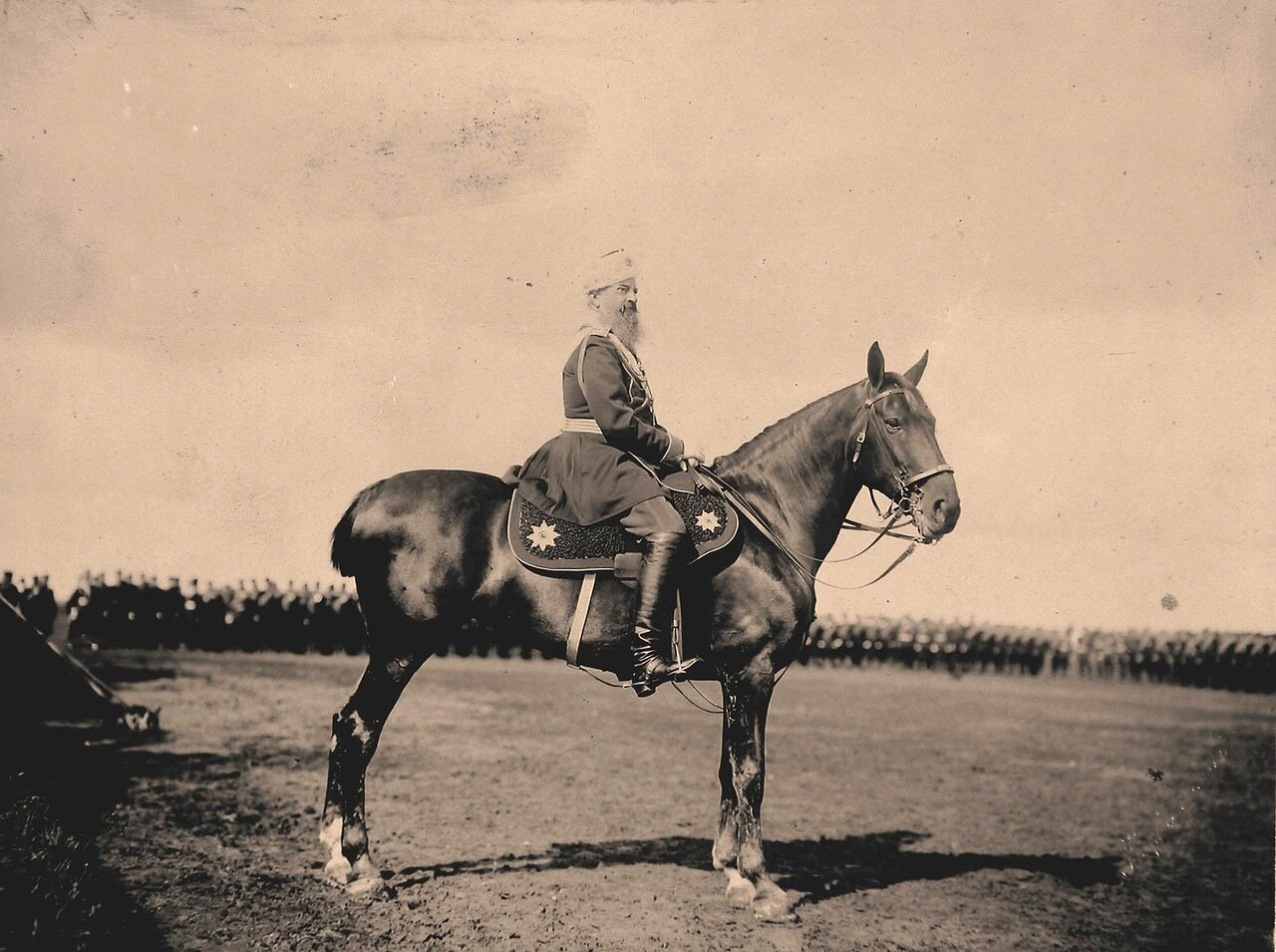 Великий князь Михаил Николаевич на Ходынском поле перед началом парада в дни празднования коронационных торжествg
