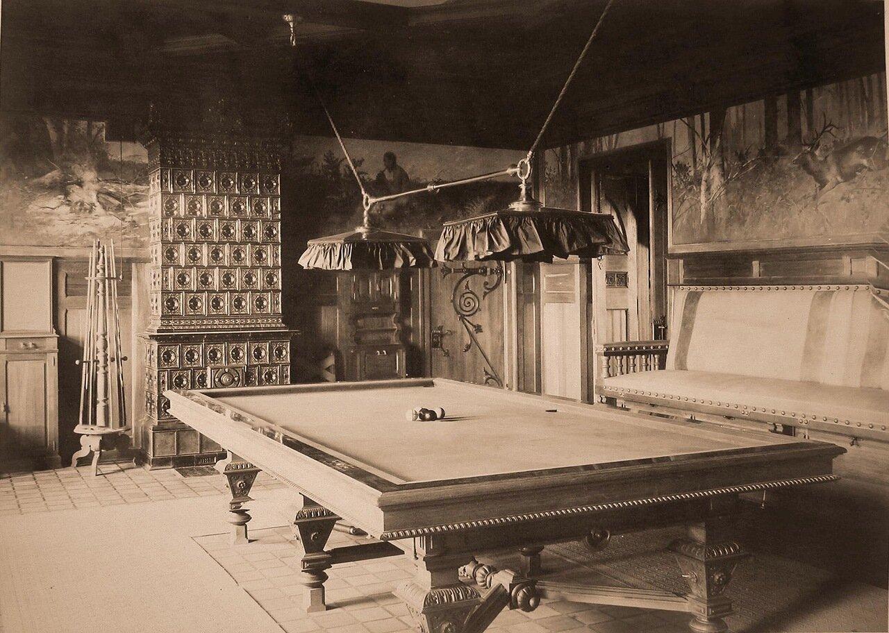 16. Вид части биллиардной комнаты в Императорском охотничьем дворце