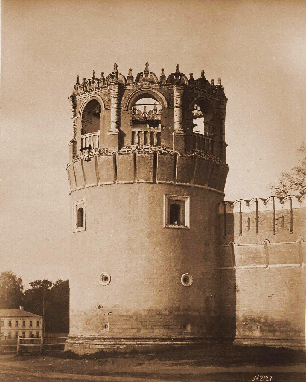 Вид одной из башен Донского Богородицкого монастыря,основанного в 1591-1593 гг.