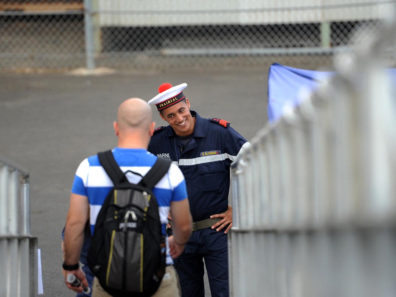 (FS) Prairial et un visiteur, au sein de la base navale de Pearl Harbor,  'RIMPAC 2012 ' (Rim of the Pacific