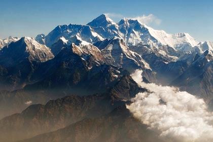 Китаянку покорившую Эверест подозревают в нечестности