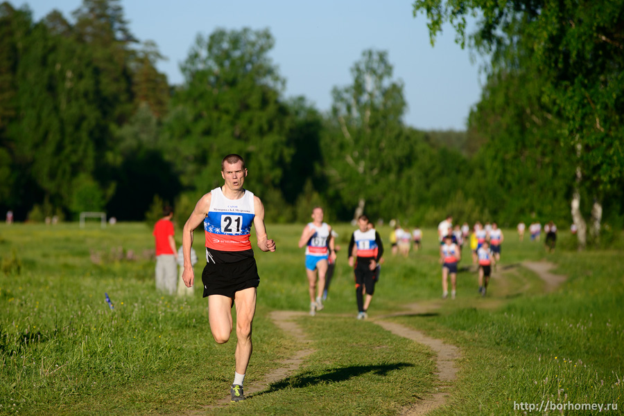 забег на 2 км финиш мужчин