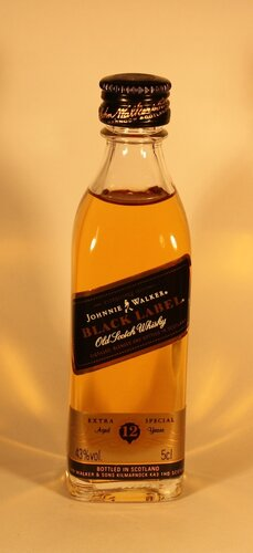 Виски Johnnie Walker Black Label Old Scotch Whisky Extra Special Aged 12 Years