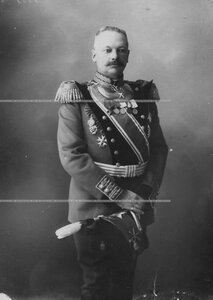 Командир бригады, генерал-майор, в форме.