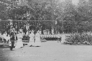 Императрица  Мария  Федоровна принимает парад  полка.
