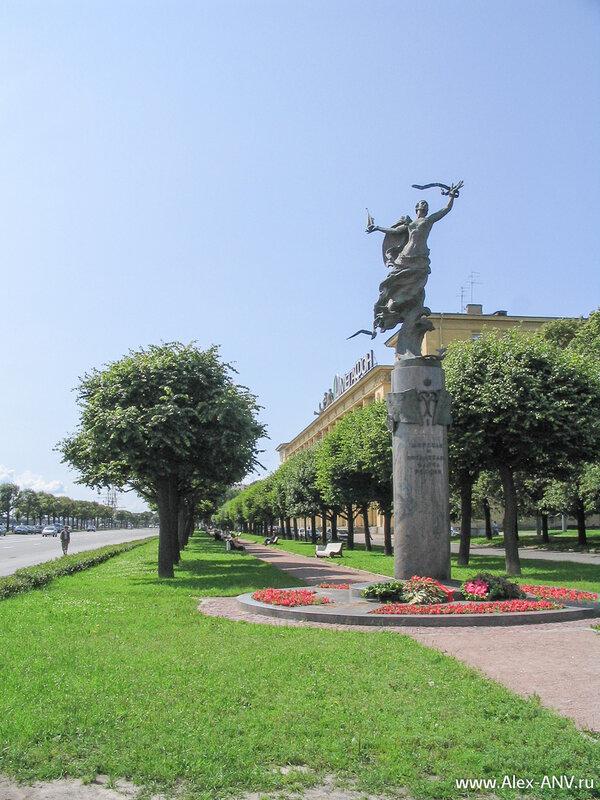 Начало Петровской набережной