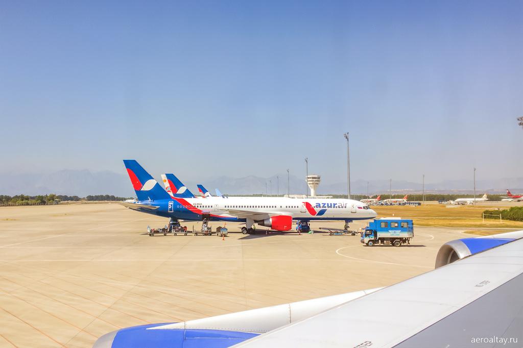 Боинг 757 Азур Эйр в Анталии