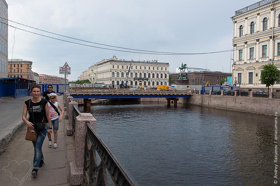 Синий мост на Исаакиевской площади