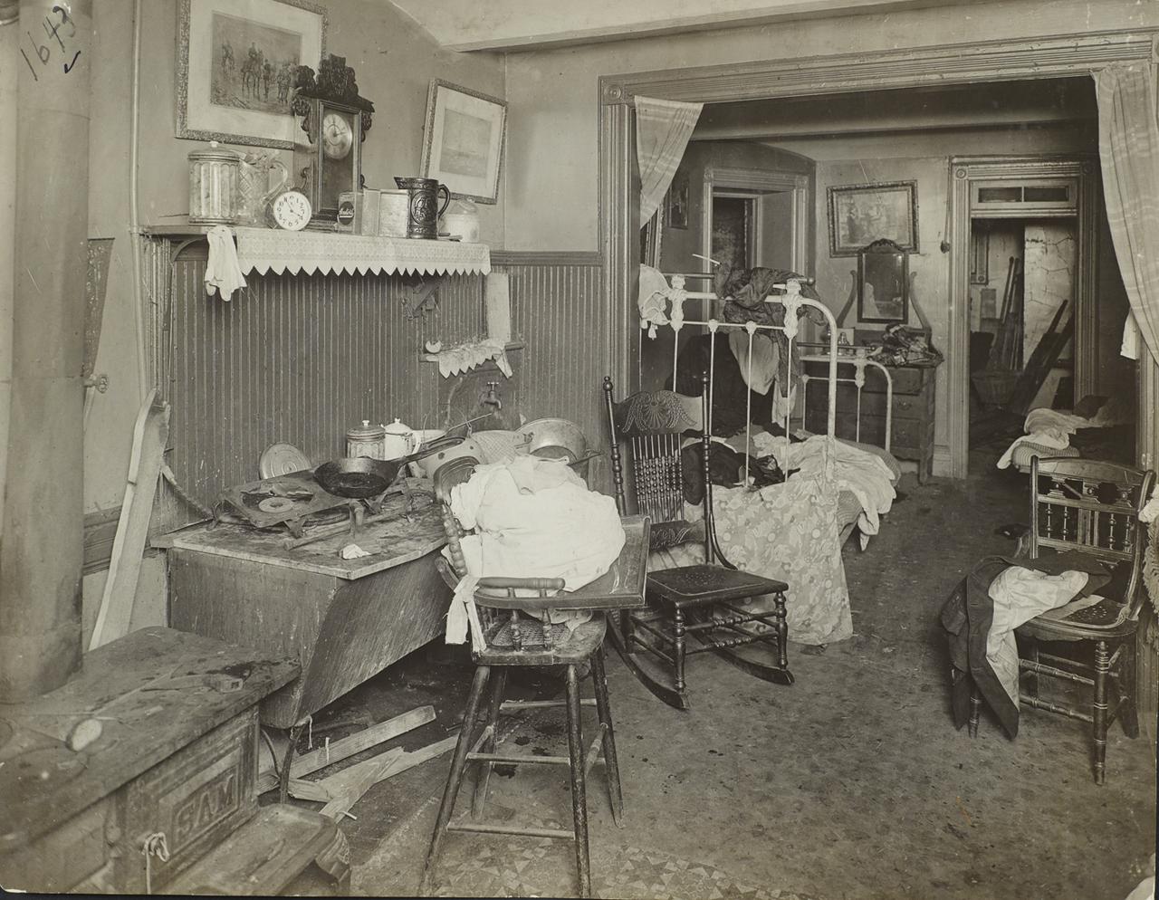 Квартира в доходном доме. 1910.